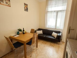 Piano POP Apartments, One-bedroom apartment - Budapest vacation rentals