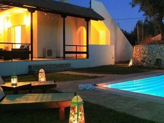 2 bedroom Villa with Internet Access in Amoudi - Amoudi vacation rentals