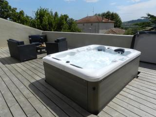 Nice Condo with Internet Access and Dishwasher - Murviel-les-Beziers vacation rentals