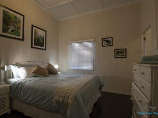 3 bedroom Bungalow with Internet Access in Illovo Beach - Illovo Beach vacation rentals