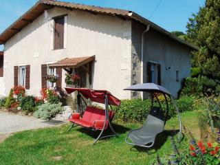 Cozy Gite in Saint-Mihiel with Internet Access, sleeps 6 - Saint-Mihiel vacation rentals