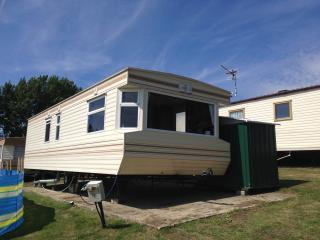 Daisy Retreats - 7 Birth Static - Isle of Sheppey - Eastchurch vacation rentals