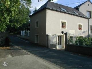 2 bedroom Gite with Internet Access in Montlouis-sur-Loire - Montlouis-sur-Loire vacation rentals