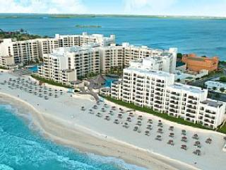 ROYAL SANDS - PENTHOUSE - Cancun vacation rentals
