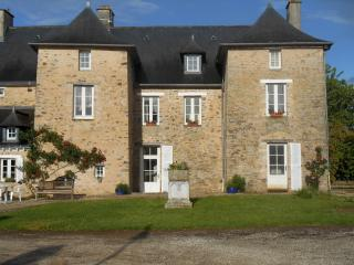 Nice Manor house with Internet Access and Central Heating - Erbree vacation rentals