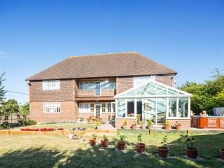 St Michaels |Log Burner |Hot Tub |Gym|Sauna|Pool - Whitstable vacation rentals