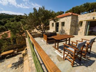 Comfortable 2 bedroom Alonnisos Town Chalet with A/C - Alonnisos Town vacation rentals