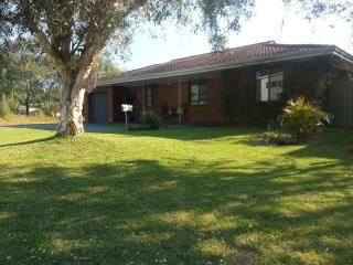 Nice House with A/C and Outdoor Dining Area - Busselton vacation rentals