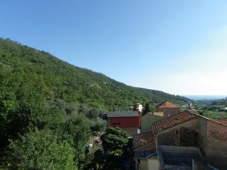 Bilocale nel primo entroterra con terrazzo - Loano vacation rentals