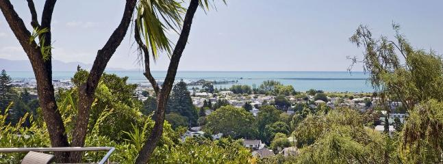 City Views Holiday Home Nelson - the Convenience of the City! - Nelson vacation rentals