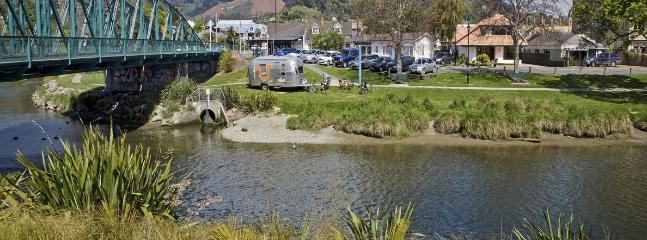 Riverside Villa Holiday Home on the River, Nelson City Centre! - Nelson vacation rentals