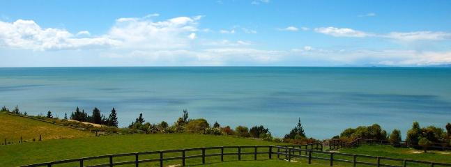Cliff-top Cottage Kina Holiday Home Nelson - Tasman vacation rentals