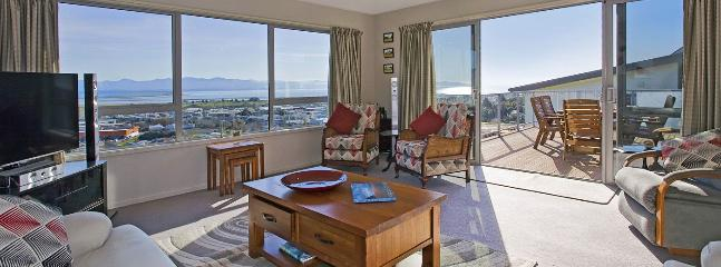 Pinnacle Place - Modern Nelson Holiday Home with Views! - Nelson vacation rentals