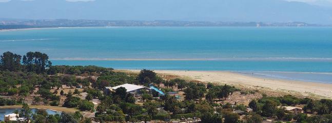 Aqua Vista Holiday Home - Walk to Tahunanui Beach, Nelson - Nelson vacation rentals