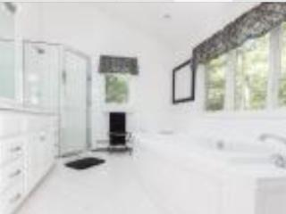 H.A. MASTER SUITE W/BATH-FREE BIKE RENTALS - East Hampton vacation rentals