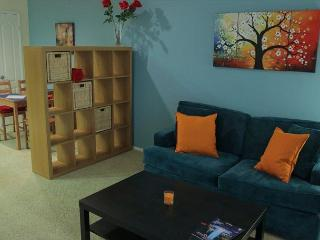 Los Angeles Two Bedroom Vacation Apartment DTRS2C - Los Angeles vacation rentals