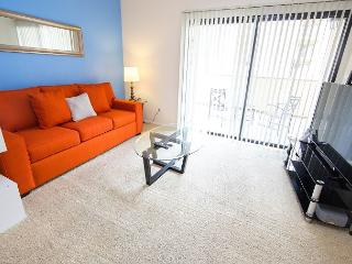 Los Angeles Two Bedroom Vacation Apartment DTRS2D - Los Angeles vacation rentals