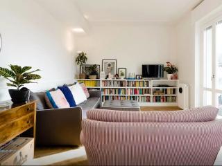 Milano stylish central apartment - Milan vacation rentals