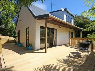 Perfect 2 bedroom Howick Cottage with DVD Player - Howick vacation rentals
