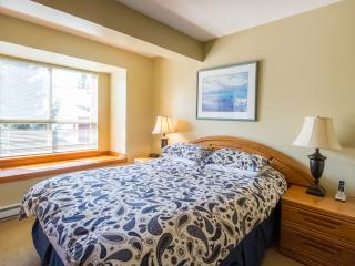 Gorgeous 2 Bed, Symphony Complex Sleeps 4-6 - Whistler vacation rentals