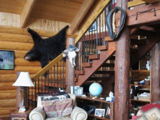 Fun Log Uber-Casa Hi Above Livingston/Yellowstone - Livingston vacation rentals