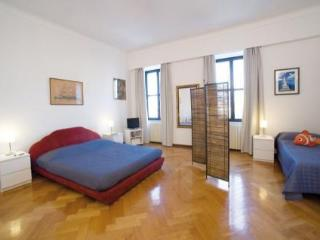 Cozy 3 bedroom Trieste Bed and Breakfast with Internet Access - Trieste vacation rentals