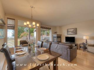 Perfect Condo with Towels Provided and High Chair - Parksville vacation rentals