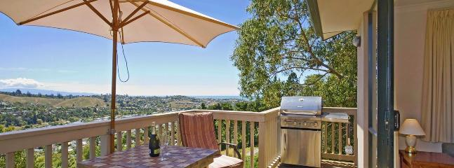 Treetops Holiday Home Nelson - Private, Peaceful, Convenient! - Nelson vacation rentals