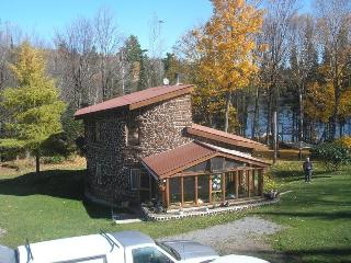 3 bedroom Cottage with Deck in Bancroft - Bancroft vacation rentals