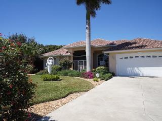 Lake View - Cape Coral Lake Front, 3b/3ba home w/electric heated pool, HSW Internet, - Cape Coral vacation rentals