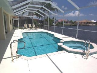 Michaela - 3b/2ba Cape Coral Vacation Home, SW Cape Coral, Gulf Access Canal, Southern Exposure, Pool Table, - Cape Coral vacation rentals