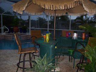 Villa Sharan - SE Cape Coral 4b/2ba Electric Heated Pool/Spa Fresh water Canal, HS Internet, - Cape Coral vacation rentals
