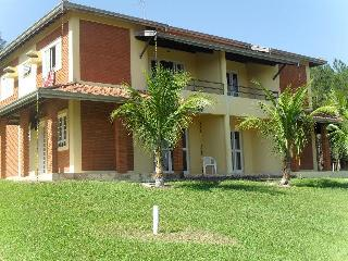 Nice Chalet with Mountain Views and Parking - Sao Pedro vacation rentals