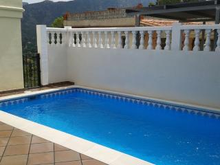 Family Villa with pool and games room - sleeps 7 - Alzira vacation rentals