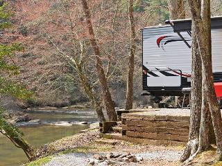 """Windy Sky"" RV Rental ON TALLULAH RIVER! 2015 RV - Tallulah Falls vacation rentals"