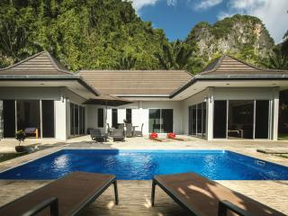 Eden Villas Krabi 1 - Free car hire - Krabi vacation rentals
