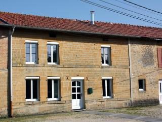 Nice Gite with Internet Access and Central Heating - Boult-aux-Bois vacation rentals