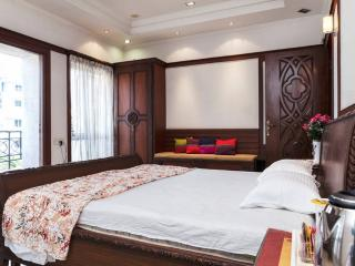 Romantic Private room with Internet Access and A/C - Kolkata (Calcutta) vacation rentals