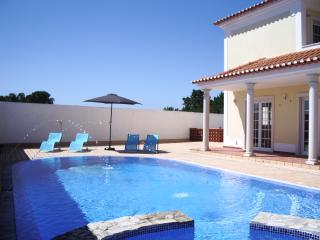 Casa-Delfin - Foz do Arelho vacation rentals