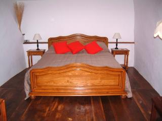1 bedroom Private room with Internet Access in Saint-Sernin-sur-Rance - Saint-Sernin-sur-Rance vacation rentals