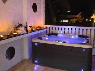 Patong 4 Bed 5 min walk 2 Beach,Jacuzzi House - Patong vacation rentals