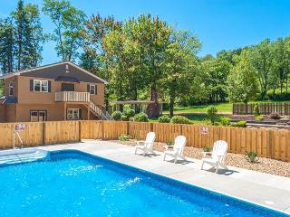 OVR's Mountain Majesty! 5 Bedrooms! Pool & Hot Tub!  10 minutes to Ohiopyle! - Farmington vacation rentals