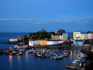 Stunning First Floor Flat in Tenby Town Centre - Tenby vacation rentals