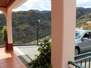 Family Holiday home amazing view  – Casa Miradouro - Santa Cruz vacation rentals