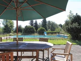 Poolside Appartment near Geneva - Monnetier-Mornex vacation rentals