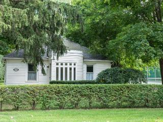 best location to shops,theatre,food & tennis court - Niagara-on-the-Lake vacation rentals
