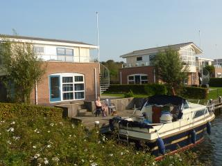 Watervilla Noorderbries, SNB 19 - Workum vacation rentals