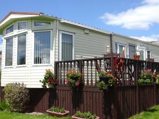 2 bedroom caravan at Smytham Manor Devon. - Torrington vacation rentals