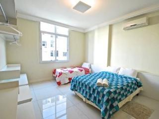 Modern and Spacious Studio in Copacabana - 2 steps away from Ipanema - Copacabana vacation rentals