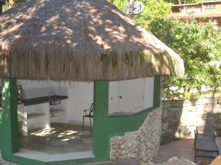 Conheça 3 praias caminhando - Ubatuba vacation rentals